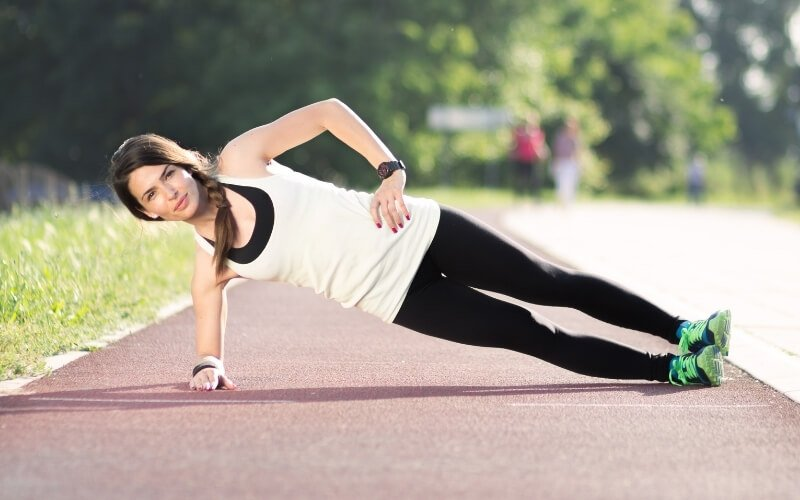 benefici side plank